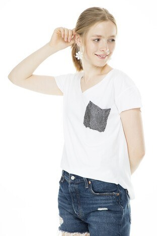 Lela - Lela Tek Cepli V Yaka Bayan T Shirt 513915 BEYAZ
