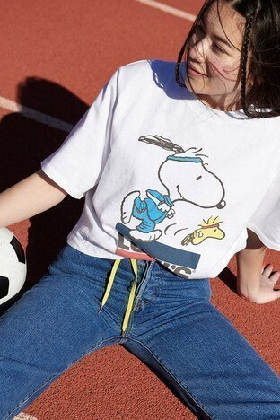 Levi's - Levis % 100 Pamuklu Snoopy Baskılı Bisiklet Yaka Bayan T Shirt 85634-0040 BEYAZ