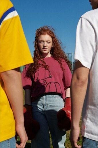 Levis % 100 Pamuklu Snoopy Baskılı Oversize Bayan T Shirt 56152-0002 PEMBE