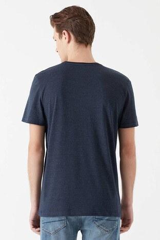 Mavi Pamuklu Çizgili Bisiklet Yaka Basic Erkek T Shirt 065372-28417 LACİVERT